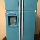 Игрушечный холодильник